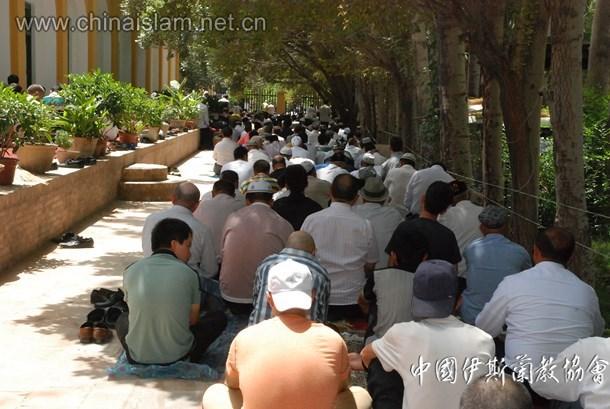 艾提尕尔清真寺斋月聚礼