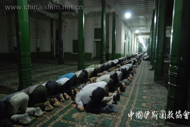艾提尕尔清真寺穆斯林礼泰勒威哈拜